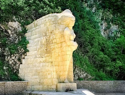 [On décampe !] Ain : Le Monument Aux Maquis De L'Ain