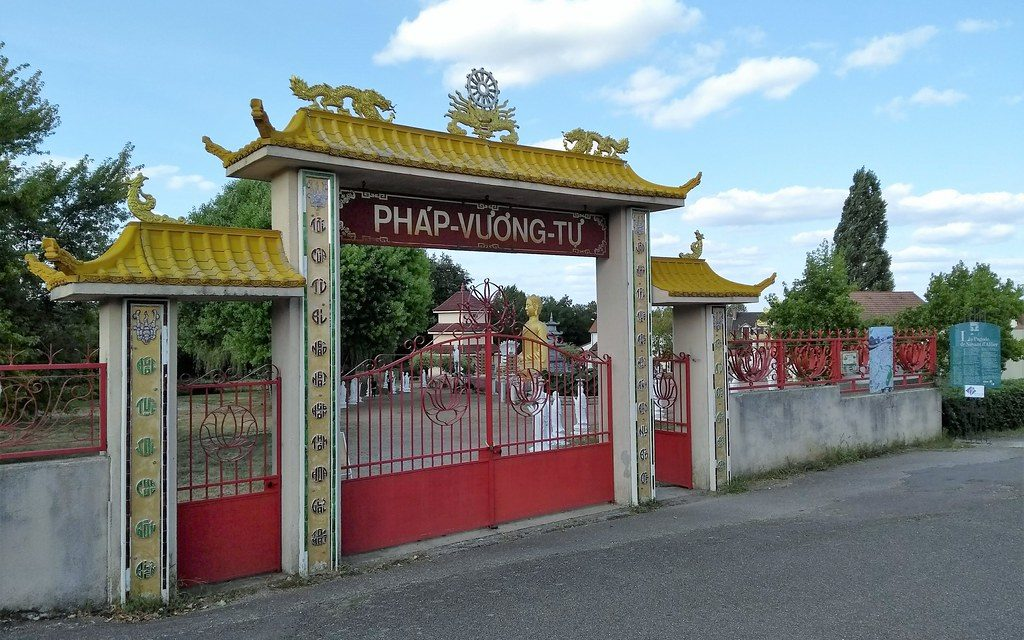 [On décampe !] Allier : Pagode Phap Vuong Tu